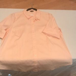Peach button down top with 3/4 length sleeves